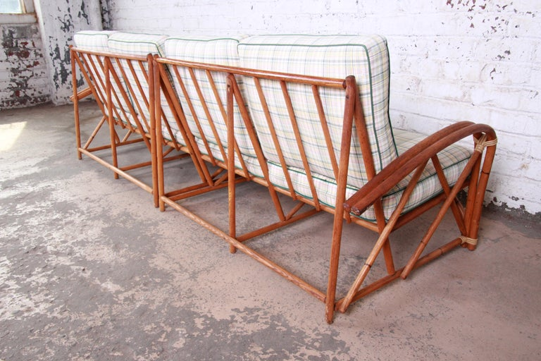 Heywood Wakefield Hollywood Regency Mid-Century Modern Rattan Sofa For Sale 4
