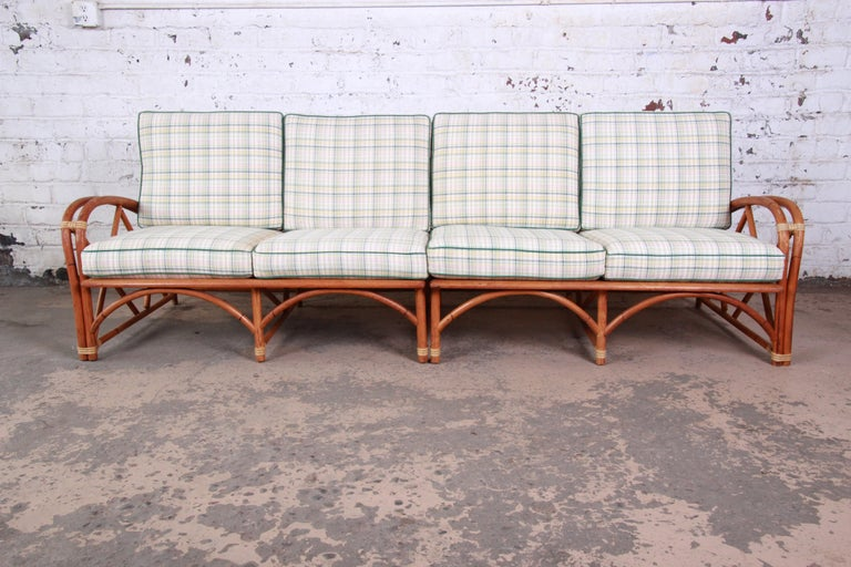 Heywood Wakefield Hollywood Regency Mid-Century Modern Rattan Sofa In Good Condition For Sale In South Bend, IN
