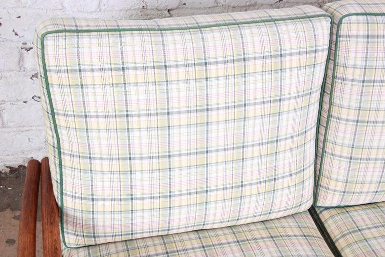 Heywood Wakefield Hollywood Regency Mid-Century Modern Rattan Sofa For Sale 1