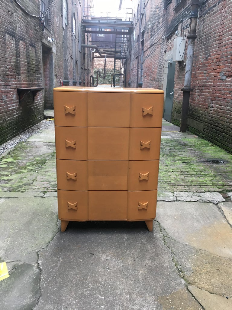 Heywood Wakefield solid maple Rio dresser, circa 1950-1955. Four drawer dresser. Deep storage. Unsigned example, but a faint stencil mark on the back. Old Champagne refinish.