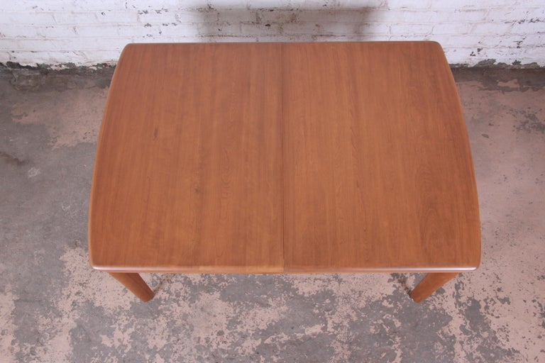 Heywood Wakefield Mid-Century Modern Extension Dining Table and Chairs 1