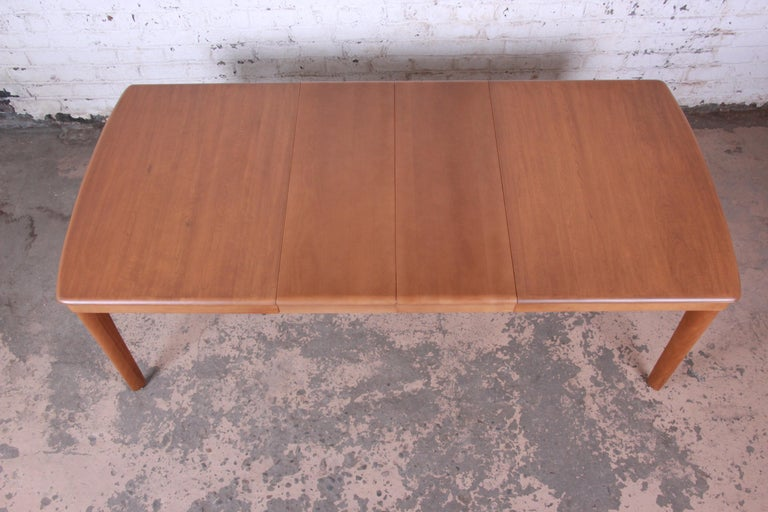 Heywood Wakefield Mid-Century Modern Extension Dining Table and Chairs 4
