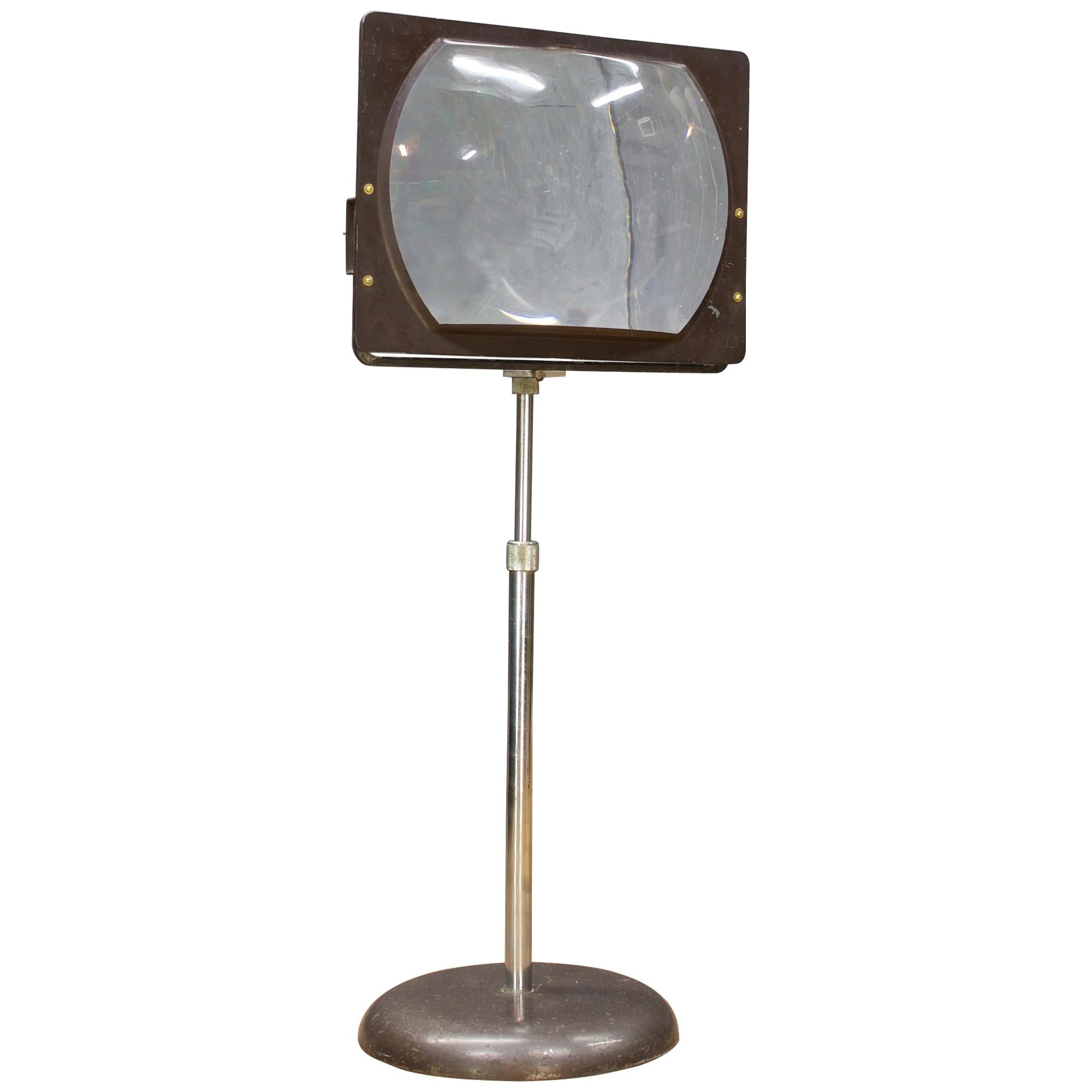 Hi-Def Television Magnifier Magnifying Glass Lens Stand Looking Retro Techno Mod