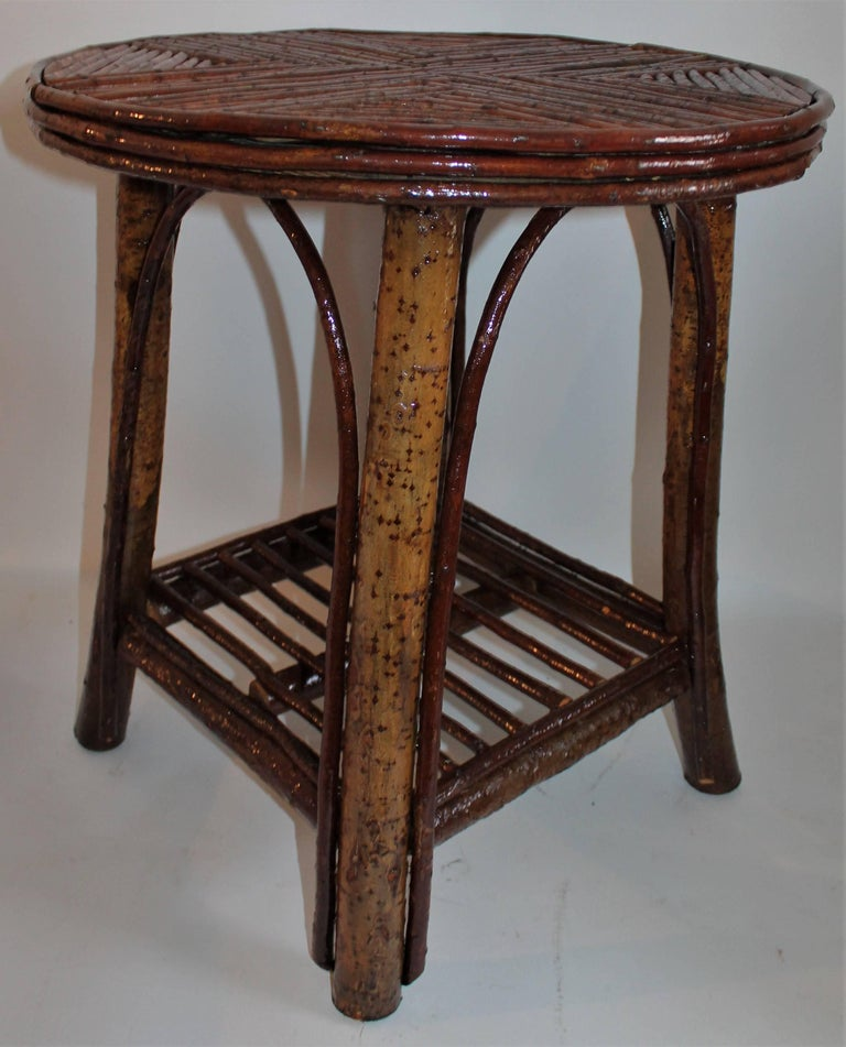 Hickory & Birch Bark Adirondack Side Table In Excellent Condition For Sale In Los Angeles, CA