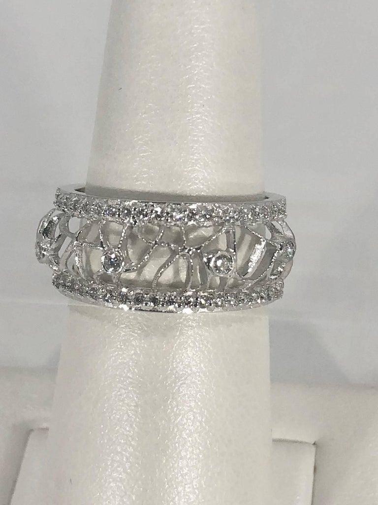Modern Hidalgo 18 Karat White Gold and Diamond Avant-Garde Jacket Ring For Sale
