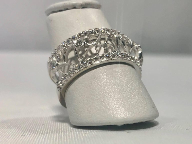 Hidalgo 18 Karat White Gold and Diamond Avant-Garde Jacket Ring In New Condition For Sale In Mansfield, OH