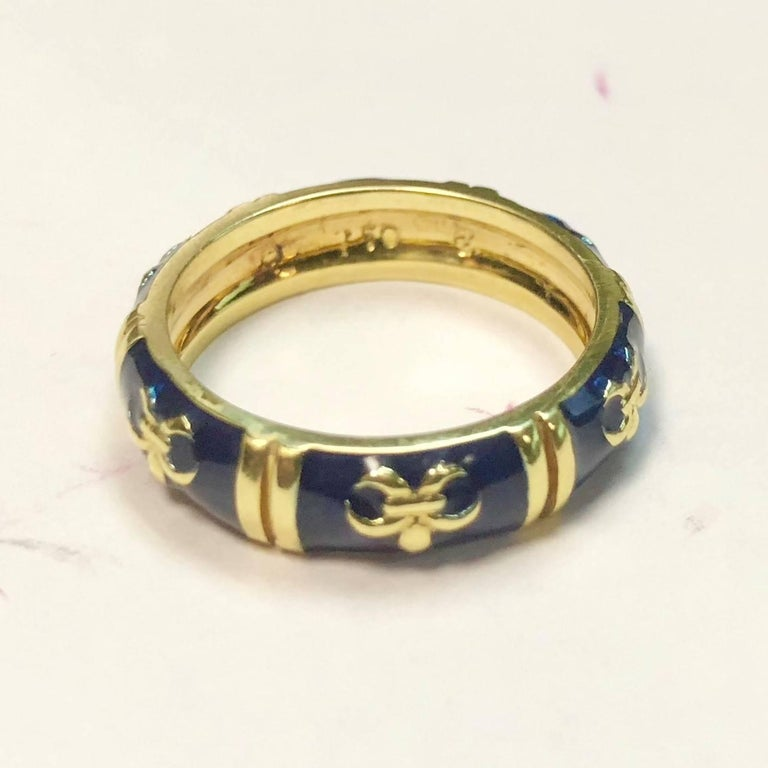 Hidalgo 18 Karat Yellow Gold and Enamel Fleur-de-Lys Stackable Band Ring For Sale 1