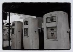 Hideoki, Black & White Photography, Gas Station, Route 66, 2003