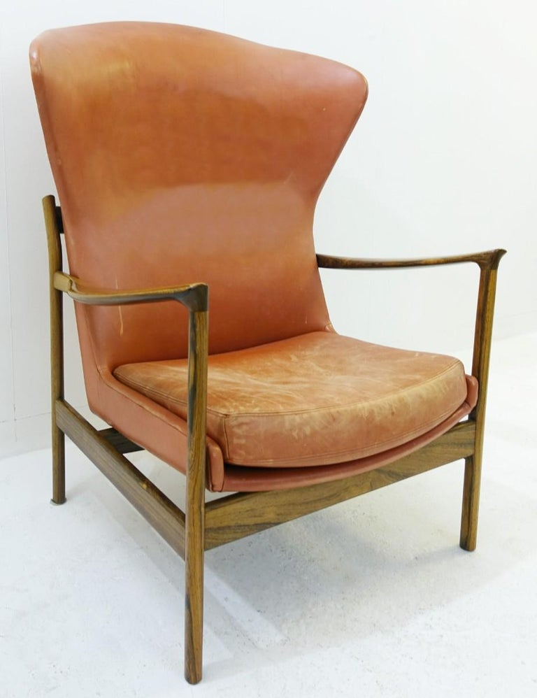 Mid-Century Modern High Back Armchair in Wood and Leather, Padding to Replace For Sale