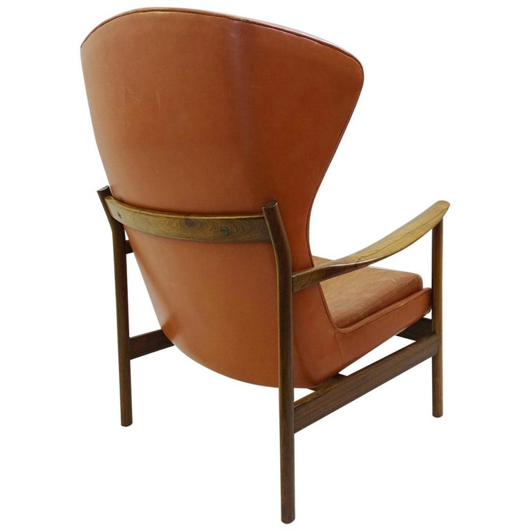 High Back Armchair in Wood and Leather, Padding to Replace For Sale