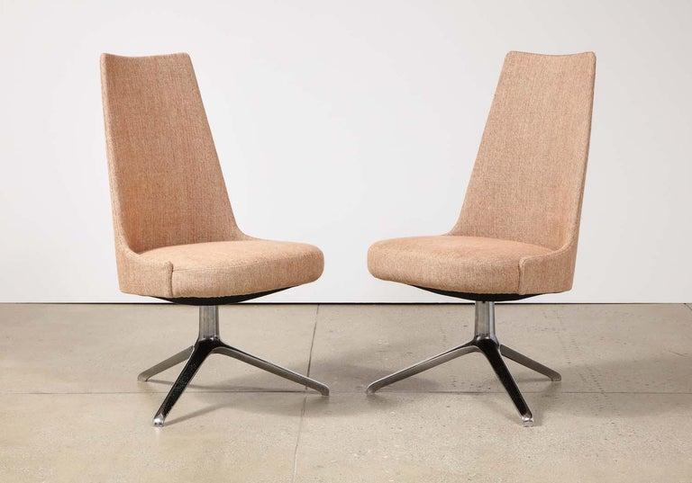 High Back Swivel Chairs by Osvaldo Borsani & Valeria Fantoni In Good Condition For Sale In New York, NY