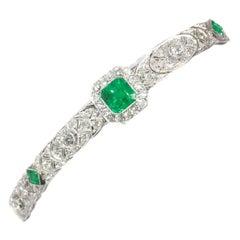 High Quality Platinum Art Deco Bracelet with 140 Diamonds and Natural Emeralds