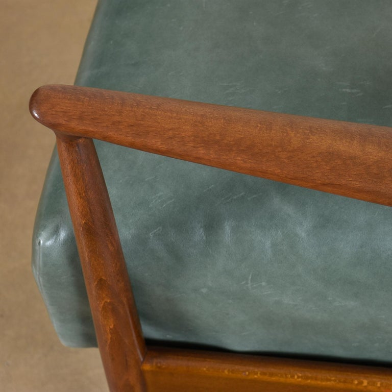 Mid-20th Century Highback Green Leather Ib Kofod-Larsen Sculpted Blade Arm Lounge Chair for Selig For Sale