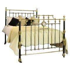 Highly Decorative Cast Iron Antique Bed in Black MK232