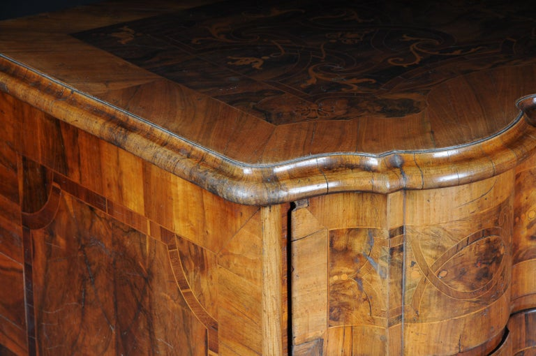 Highly Interesting Inlaid Baroque Commode, circa 1740 In Good Condition For Sale In Berlin, DE