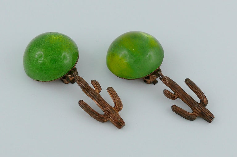 Hilton McConnico for Daum Vintage Pate de Verre Cactus Dangling Earrings In Good Condition For Sale In Nice, FR