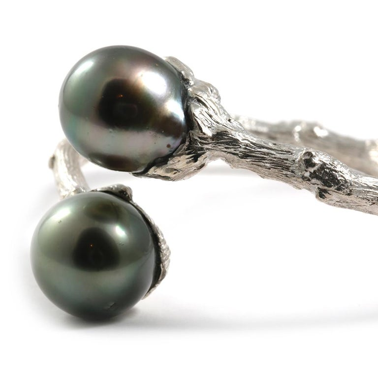 Hinged Bypass Bracelet in Sterling Silver with Tahitian Pearls In New Condition For Sale In Solana Beach, CA