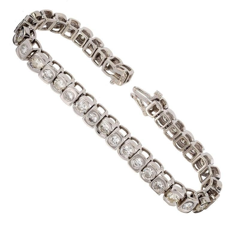 9.51 Carat Round Diamond Hinged White Gold Bracelet