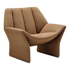 Hirundo Armchair in Coffee Leather with Curved Seat by Busnelli
