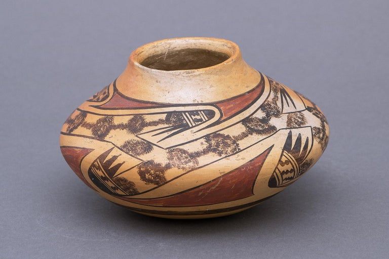 Historical Southwestern Pottery Seed Jar by Nampeyo, Hopi, Early 20th Century In Good Condition For Sale In Denver, CO
