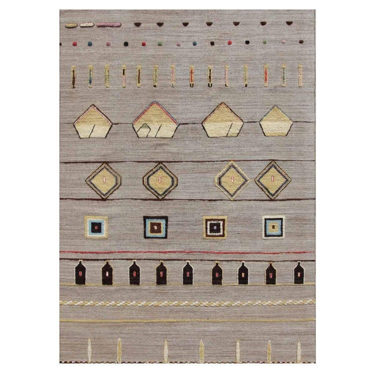 Hobbs Neutral Hand-Knotted Wool Rug For Sale