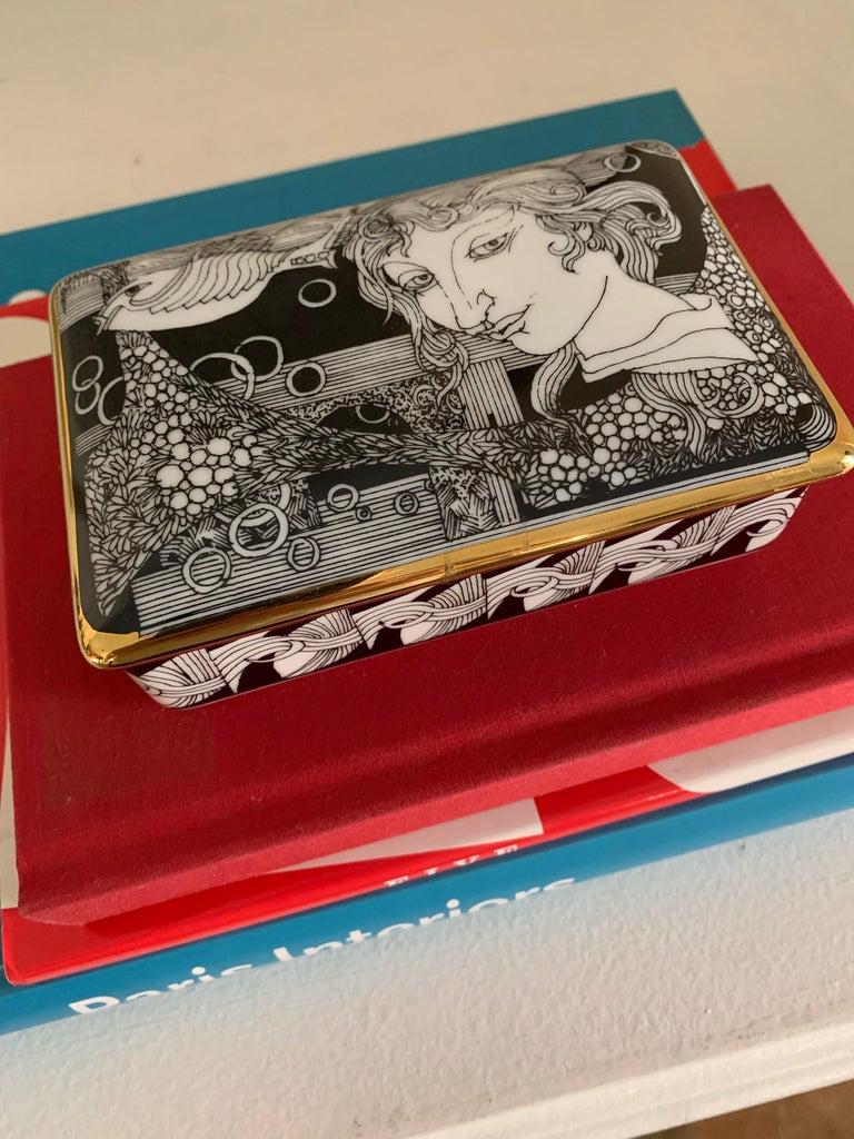 Hollohaza Hand Painted Gilt Porcelain Lidded Box For Sale 3