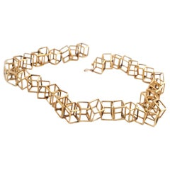 18 Karat Yellow Gold, Hollow Geometric Cubes, Statement collier,