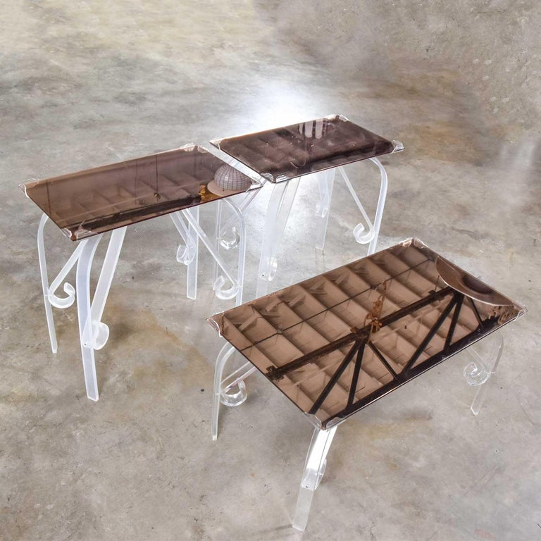 Hollywood Regency Art Deco Lucite & Rose Mirrored Tables a Set 1 Coffee & 2 End  In Good Condition For Sale In Topeka, KS