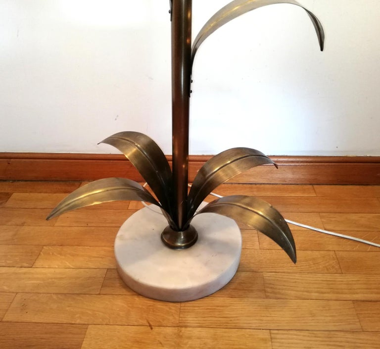 Hollywood Regency Brass Palm Tree and Glass Flower Bouquet Modernist Floor Lamp For Sale 6