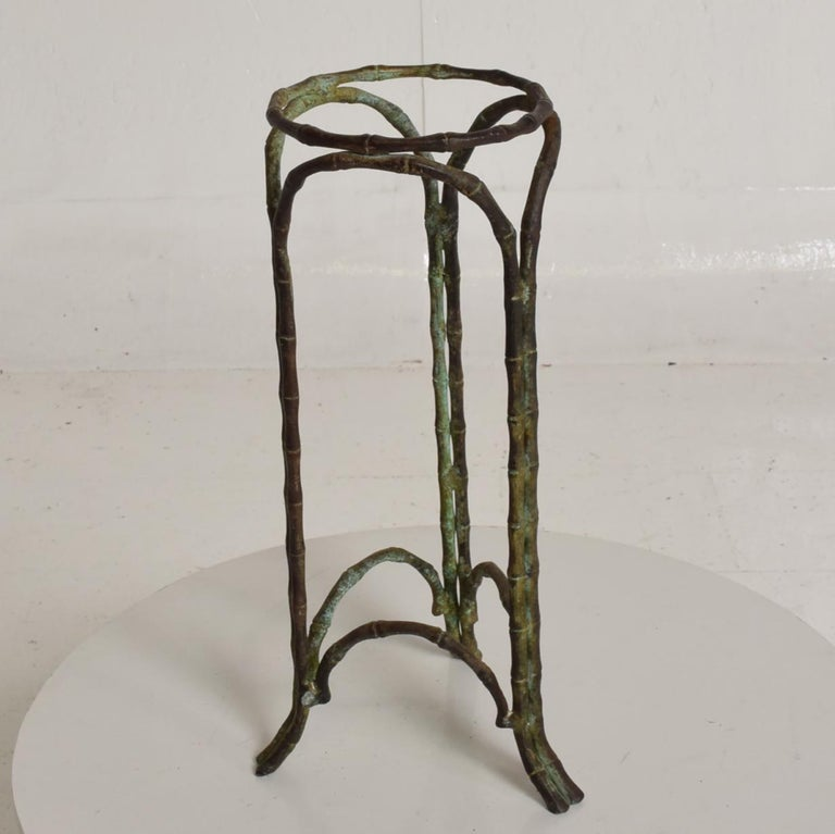 For your consideration, a faux bamboo pedestal vase (planter garden element) in Bronze with a wonderful verdigris patina. Unmarked, no markings from the maker. In the style of Giacometti, France, circa 1960s.  Dimensions: 14