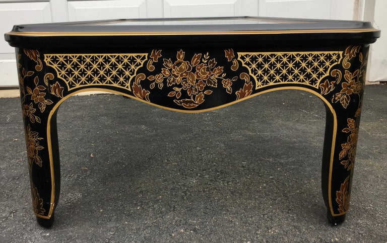 Late 20th Century Hollywood Regency Chinoiserie Black and Gold Coffee Table, Drexel Et Cetera For Sale