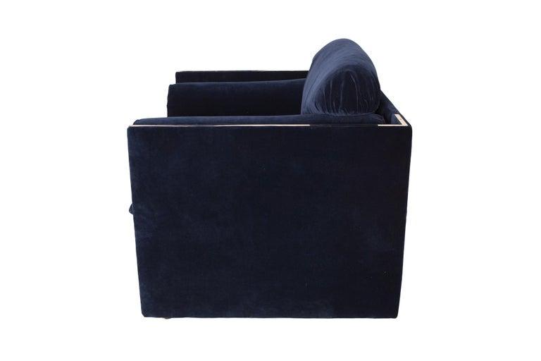 Hollywood Regency Easy Chairs in Dark Blue Velvet and Brass For Sale 7
