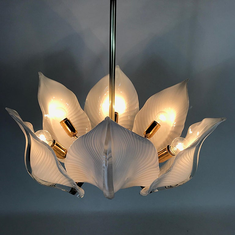 Hollywood Regency Franco Luce Murano Glass Leaves Chandelier, Italy, 1970s In Good Condition For Sale In Vienna, AT