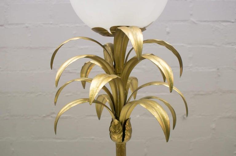 Hollywood Regency Gilded Pineapple Floor Lamp, 1970s In Good Condition For Sale In Nürnberg, Bayern