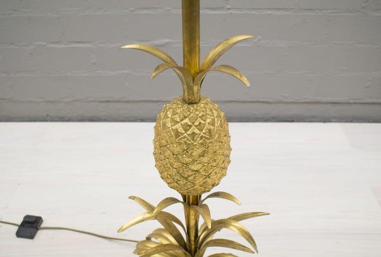Metal Hollywood Regency Gilded Pineapple Floor Lamp, 1970s For Sale