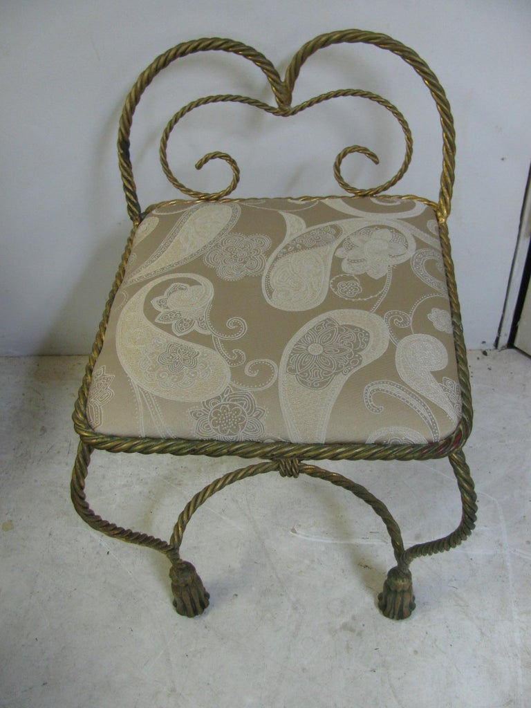 Hollywood Regency Gilt Rope and Tassel Vanity Chair Italy In Good Condition For Sale In Port Jervis, NY