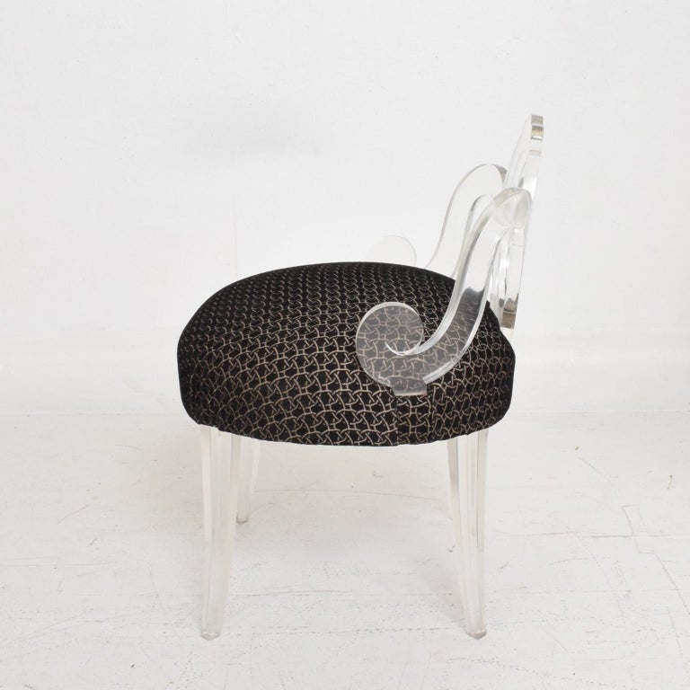 Hollywood Regency Glamour Pair of Lucite Side Chairs by Grosfeld House, 1940s For Sale 3