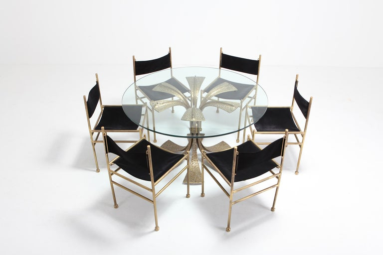 Hollywood Regency Hammered Brass Dining Table by Luciano Frigerio For Sale 2