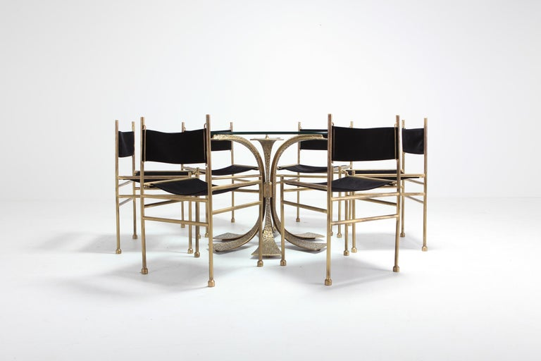 Hollywood Regency Hammered Brass Dining Table by Luciano Frigerio For Sale 4