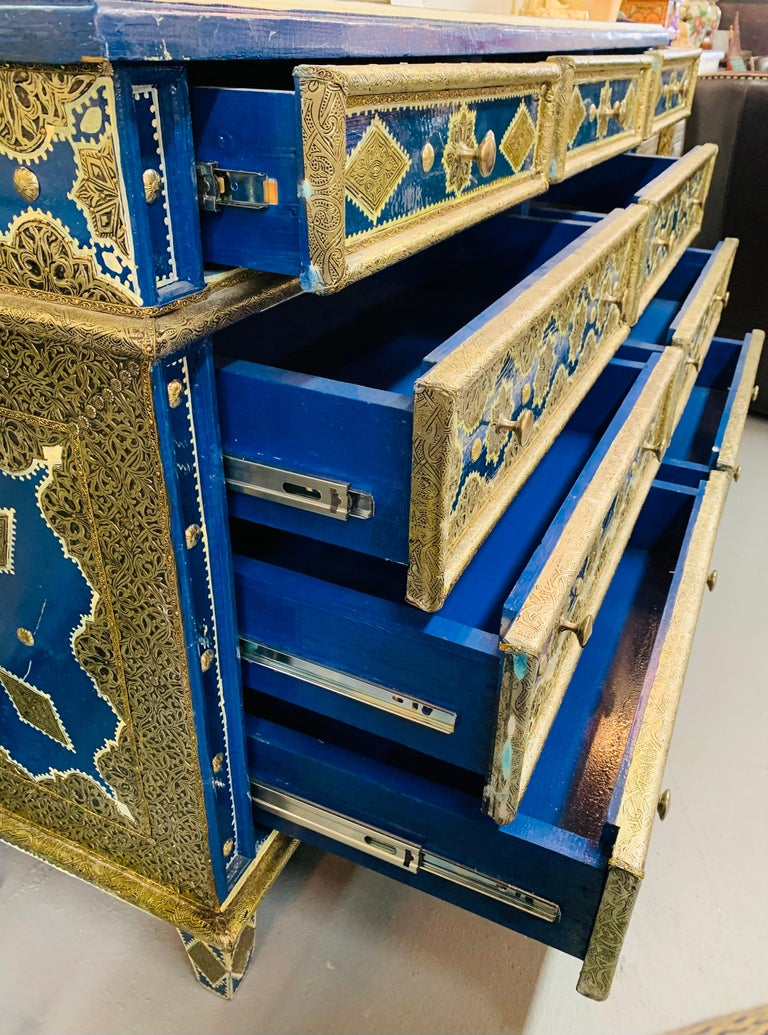 Hollywood Regency Inlaid Blue Large Sideboard, Commode or Dresser For Sale 5