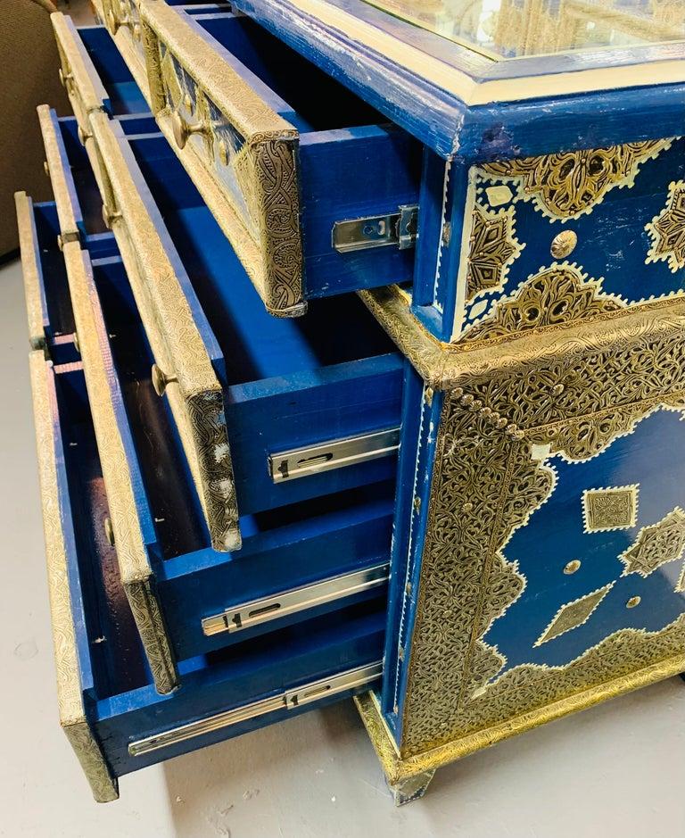 Hollywood Regency Inlaid Blue Large Sideboard, Commode or Dresser For Sale 6