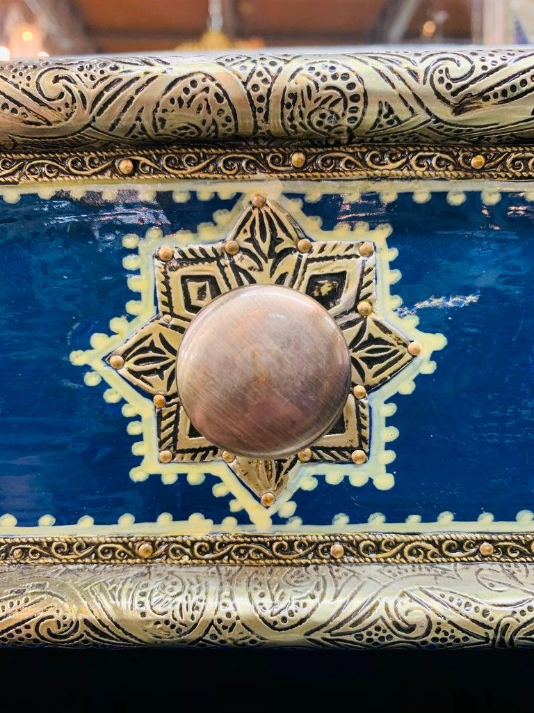 Hollywood Regency Inlaid Blue Large Sideboard, Commode or Dresser For Sale 7