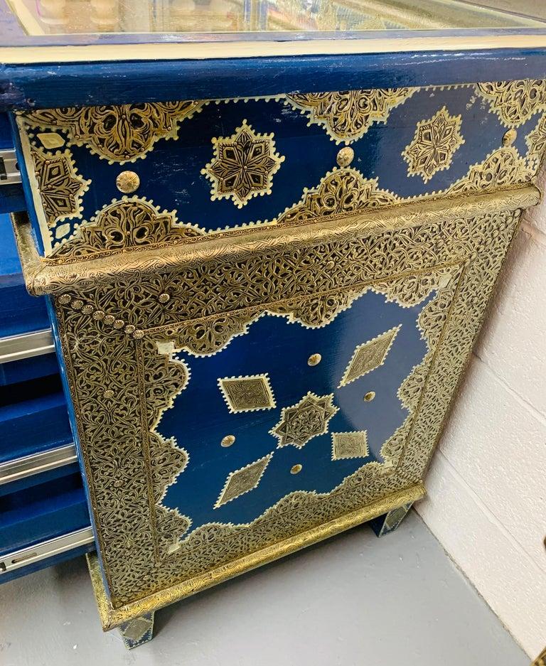 Hollywood Regency Inlaid Blue Large Sideboard, Commode or Dresser For Sale 12