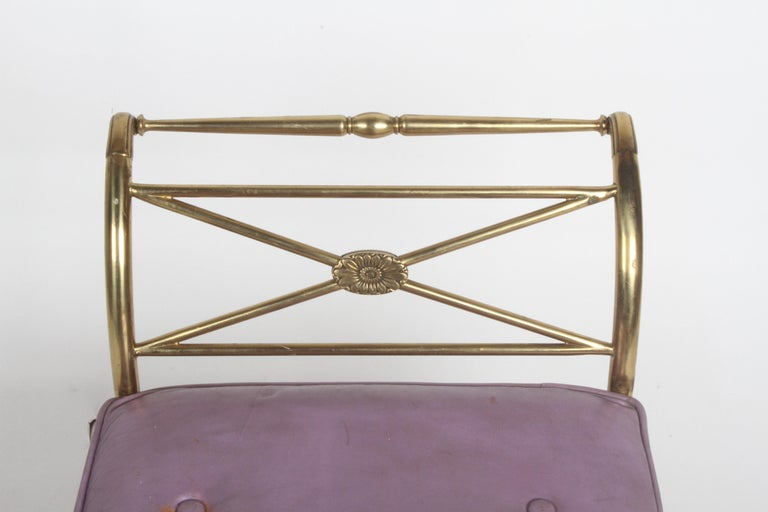 Hollywood Regency Italian Brass Bench with Arms on Tapered Legs Violet Leather For Sale 7
