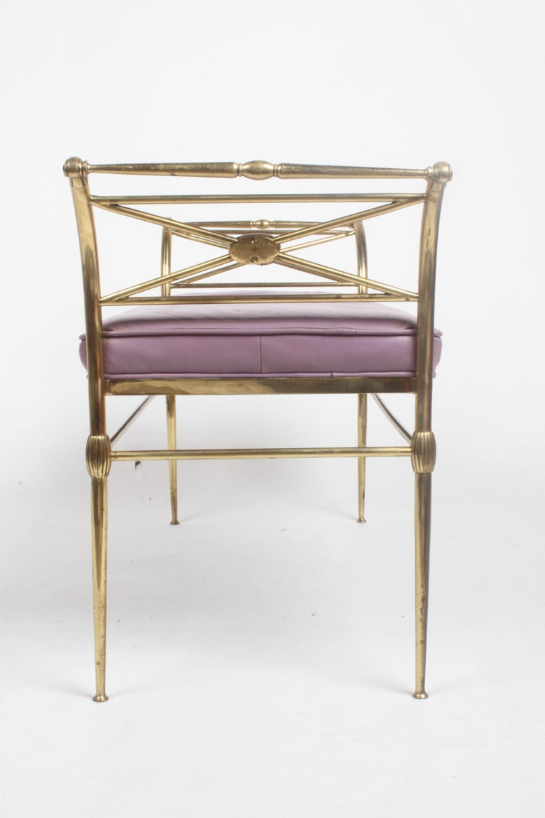 Hollywood Regency Italian Brass Bench with Arms on Tapered Legs Violet Leather For Sale 8