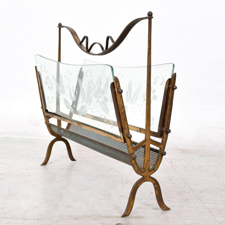 Metal Hollywood Regency Italian Magazine Rack Holder in Brass and Glass For Sale