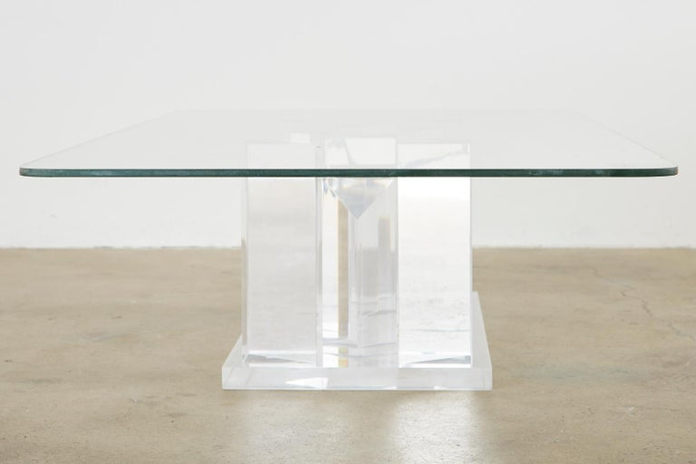 Hollywood Regency Lucite and Glass Stalagmite Cocktail Table In Good Condition For Sale In Rio Vista, CA