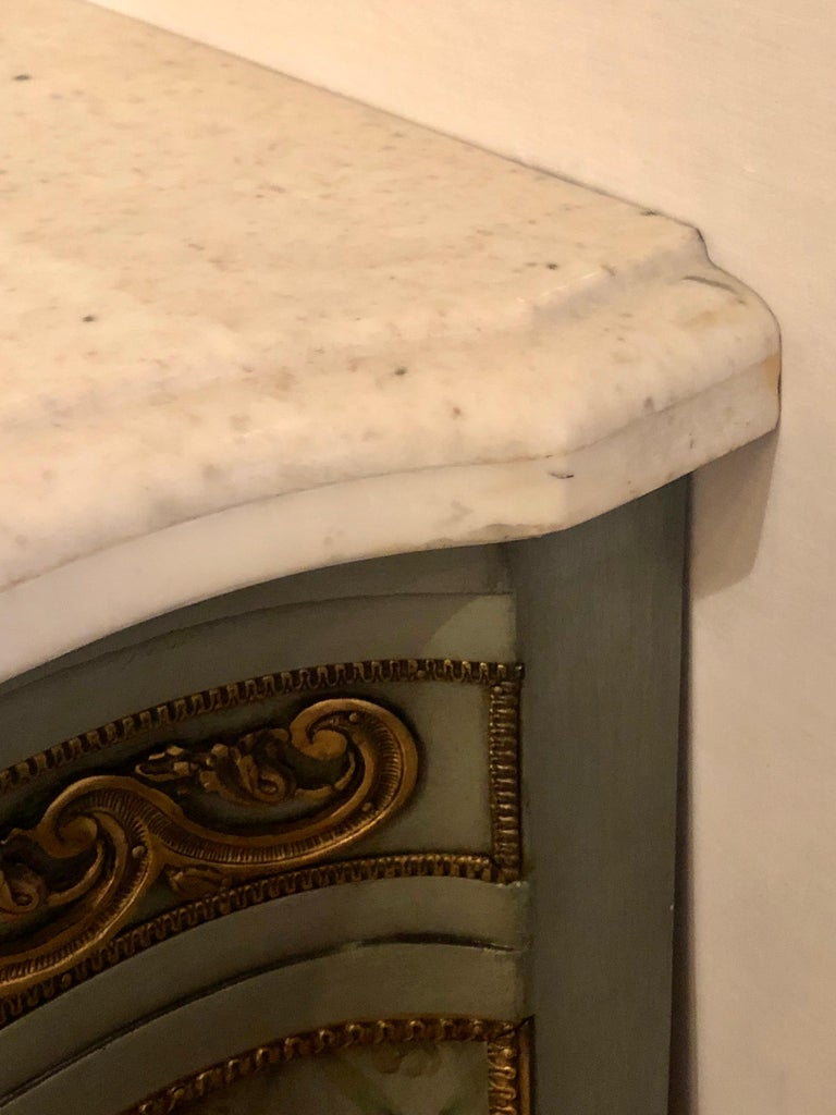 Hollywood Regency Marble-Top Commodes Chests Commode Nightstands Pair For Sale 12