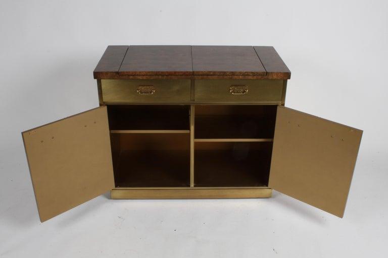 Hollywood Regency Mastercraft Brass and Burled Elm Dry Bar Server with Flip Top For Sale 6