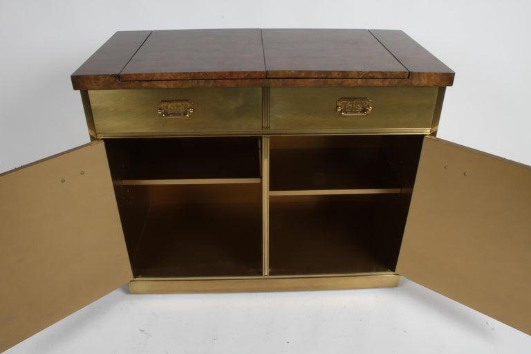 Hollywood Regency Mastercraft Brass and Burled Elm Dry Bar Server with Flip Top For Sale 7